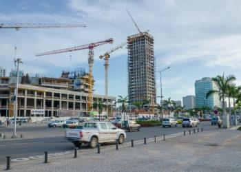 Construção de edifícios modernos em Luanda que obedeceram ao planeamento urbanístico
