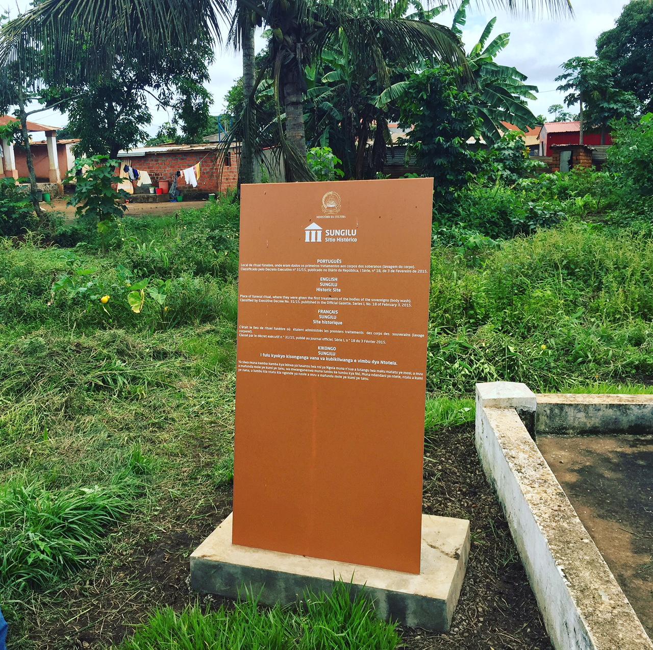 Placa do Museu do Reino do Congo, em Mbanza Congo, cidade classifica pela UNESCO como património cultural da humanidade