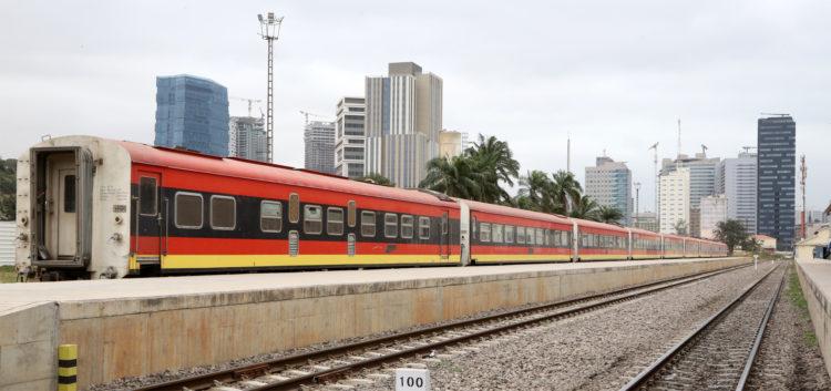 Além do Porto de Luanda, a zona do Bungo tem a estação de comboio dos Caminhos de Ferro de Luanda