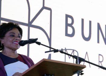 Ministra da Cultura, Carolina Cerqueira, durante o acto de lançamento da primeira pedra do Edifício Bungo Market (Foto Nelson Malamba / Angop)